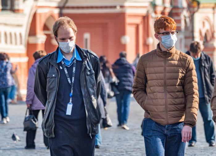 Всеобщий масочный режим ввели в России