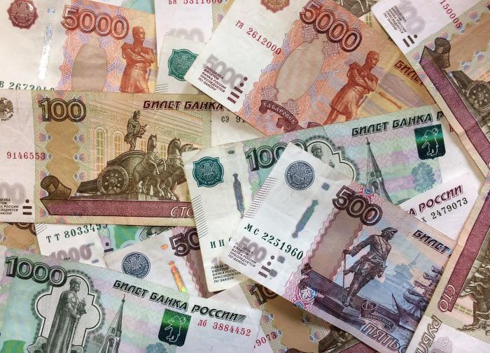 Экономист прокомментировал повышение МРОТ в России