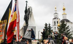 Депутат Милонов: С памятниками воюют только трусы и гопники