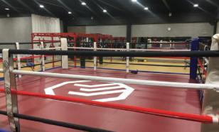 Бой в ЮАР отменили после того, как боксер выпал за пределы ринга