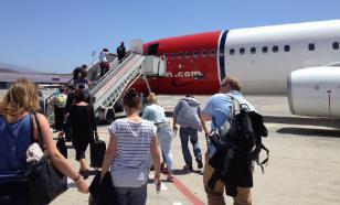 Британец выпал из самолета в Турции и умер
