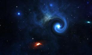 """Фото дня от """"Хаббл"""": карликовая галактика с ярчайшим ядром"""