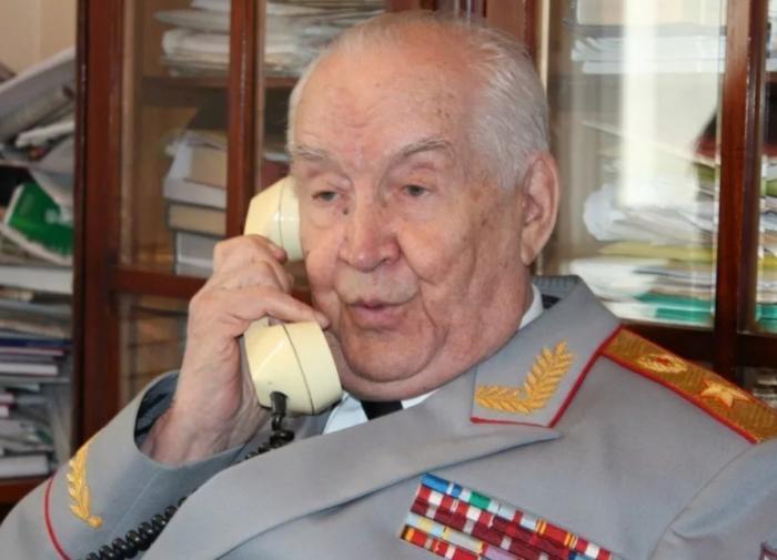 Маршал Виктор Куликов о Махмуте Гарееве: На службе Отечеству