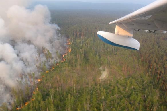 Минобороны РФ: самолеты Ил-76 возобновили тушение пожаров в Сибири