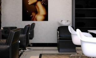 В Барнауле в два салона красоты пришли с проверкой после жалоб горожан