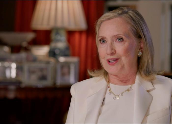 """Хиллари Клинтон: промышленная и технологическая мощь США """"атрофирована"""""""
