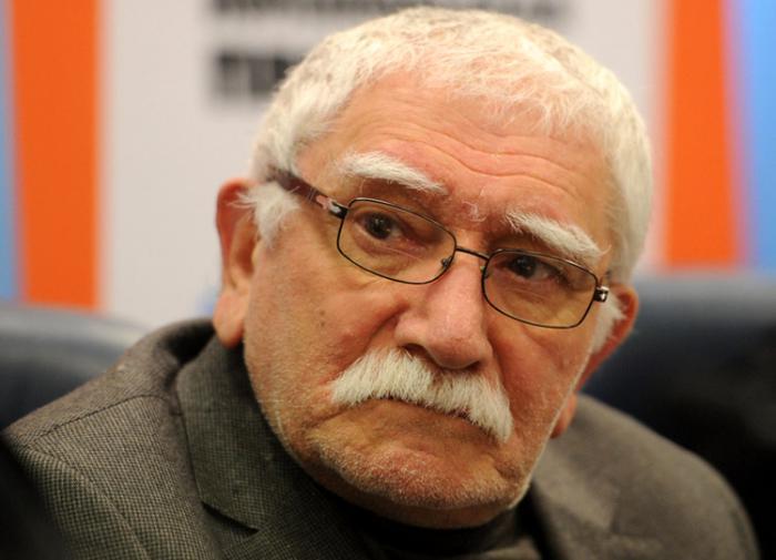 Армен Джигарханян: Невозможно смотреть порнографию больше двух минут