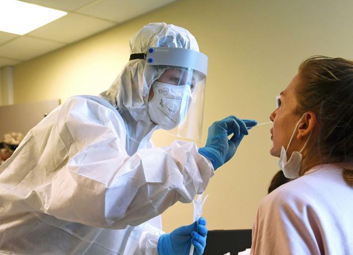 Эпидемиолог: новый подъём заболеваемости COVID-19 будет из-за непривитых
