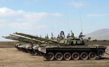 Военно-политическим манёвры вокруг Крыма и Донбасса