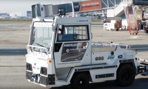 Air France проводит испытания беспилотного багажного роботягача