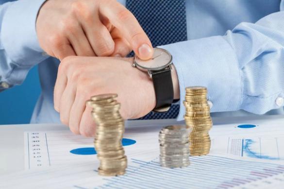 Эксперт: почасовая оплата труда приведет к уменьшению зарплаты