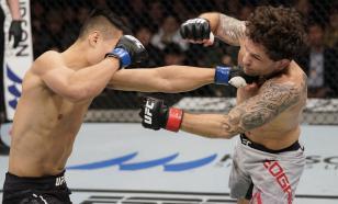Соперник Махачева снялся с турнира UFC из-за коронавируса