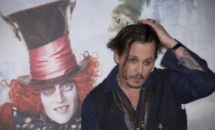 """Развод Джонни Деппа провалил в прокате """"Алису в Зазеркалье"""""""