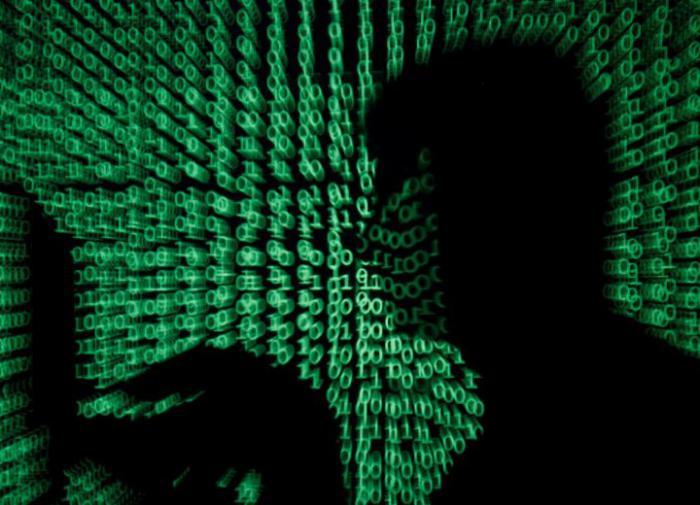 Известия предупредили о кибератаке на счета россиян