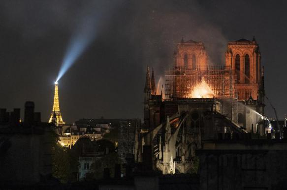 Нотр-Дам-де-Пари через 8 месяцев после пожара. Что с ним?
