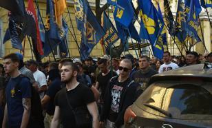 Украинские националисты проводят марш в годовщину трагедии в Одессе