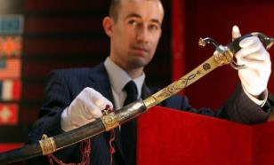 Топ самого дорогого оружия в мире: от армейского ножа до сабли