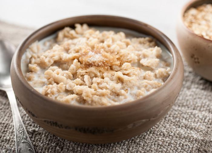 Диетолог назвала популярные завтраки, которые ведут к ожирению
