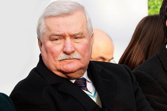 Экс-президент Польши заявил о необходимости ликвидировать Евросоюз и создать его заново