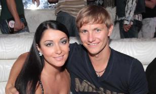 Футболист Павлюченко подарил жене автомобиль за 6,5 млн рублей