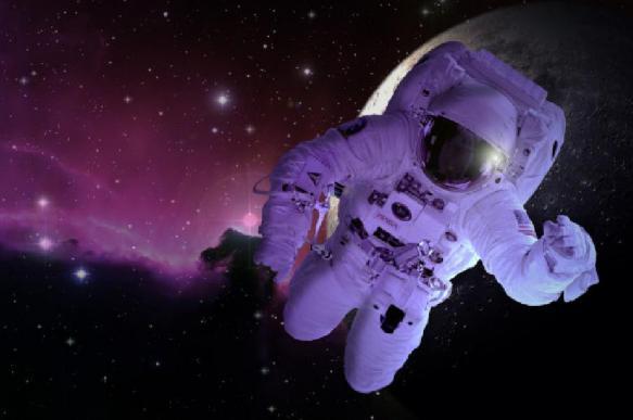Эксперты: лунная пыль может убить астронавтов электрическим током