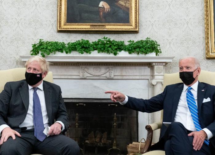 Джо Байден и Борис Джонсон встретились лично и договорились сотрудничать