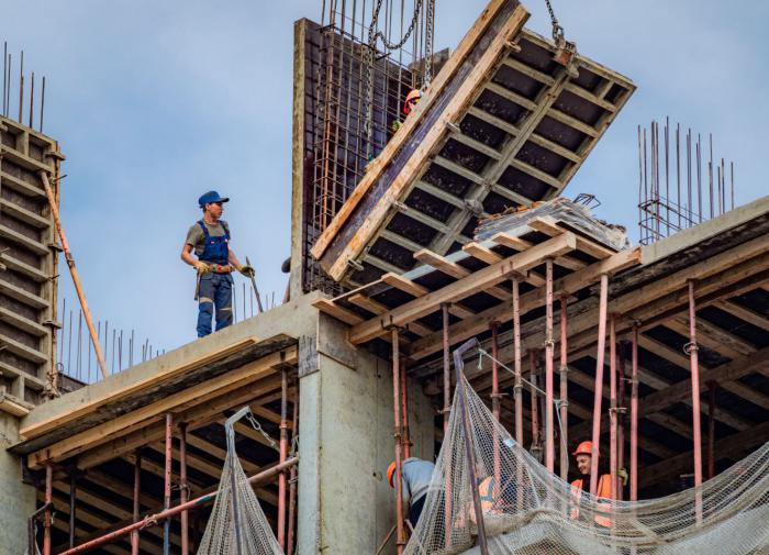 Эксперт объяснил дефицит квартир в РФ и дал совет покупающим жильё