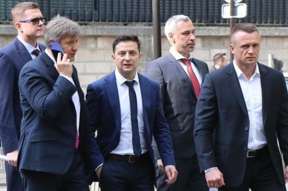 Команда президента Украины попросила называть себя не администрацией, а офисом