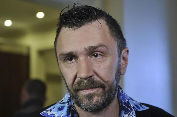 Шнуров высмеял в стихах новые фильмы Бондарчука и Кравчука