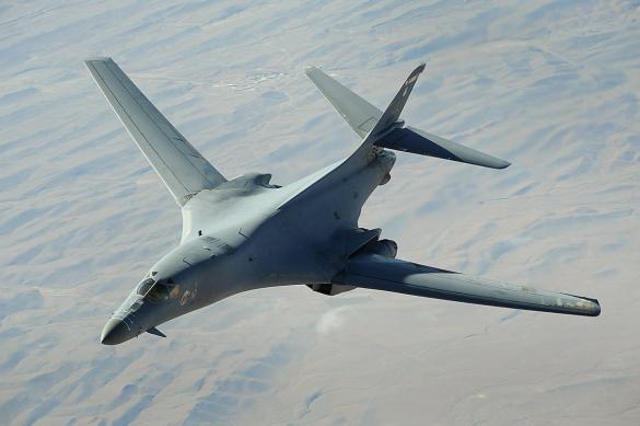 Бомбардировщик США заметили у западных границ России