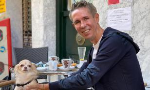 """""""Поистаскался в Европе"""": оборванный Панин пристаёт к прохожим в Испании"""