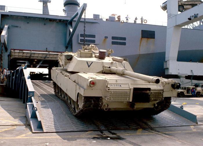 Почему в Варшаве пообещали разместить американские танки в России