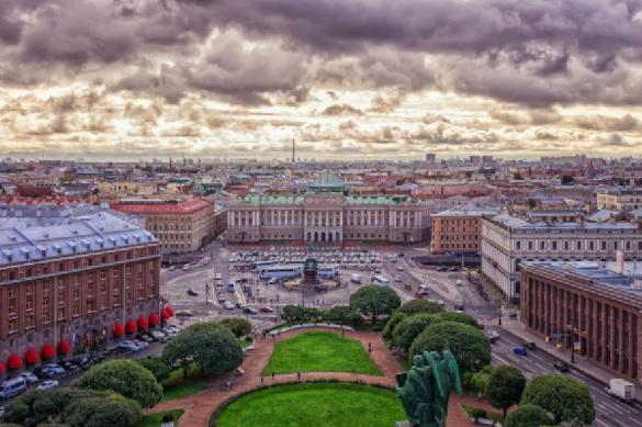 По стоимости номера отелей Петербурга сравнялись с Москвой