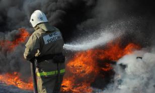 На севере Москвы горит автобус