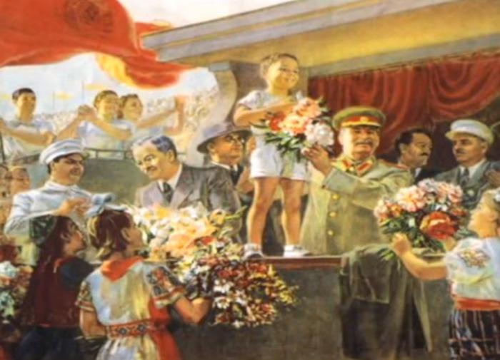 Канадский психолог объяснил, почему заполнил свой дом советскими картинами
