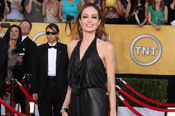 Анджелина Джоли обсудила пандемию коронавируса в прямом эфире