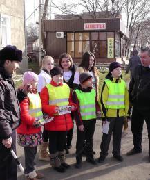 Для безопасности автомобилистов дети должны светиться - считают в МВД