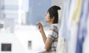С 1 октября россиянам запретят курить на балконах