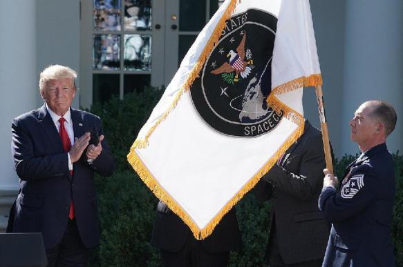 """США указали НАТО на угрозы в космосе и вспомнили про """"звездные войны"""""""