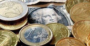 СМИ: Банки готовятся закупать пятизначные табло для обменников