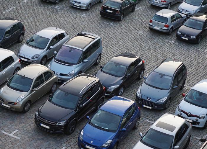 В России выпуск легковых машин сократился на 30 процентов