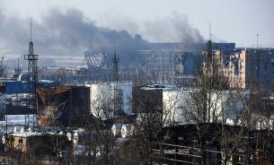 Украинские силовики опять обстреляли Донецк и попали в два жилых дома