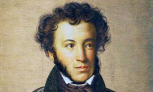 Пушкин умер на том самом диване, который стоит в музее Петербурга