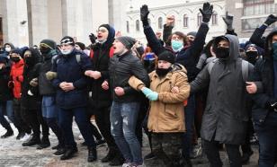 Провокаторам удаётся вывести молодёжь, потому что у страны нет идеологии