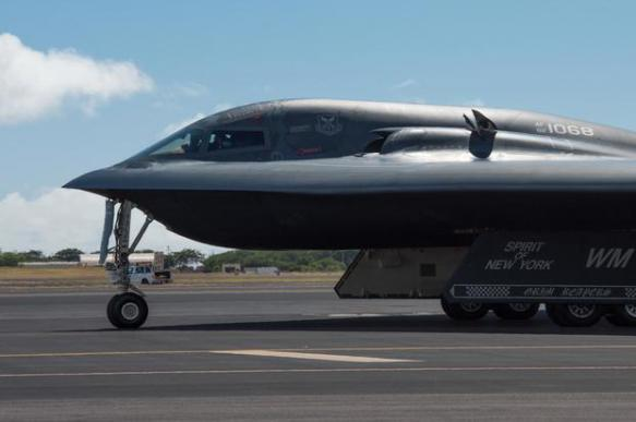 ВВС США испытали бомбардировщик B-2 и сбросили две бомбы по 13 тонн