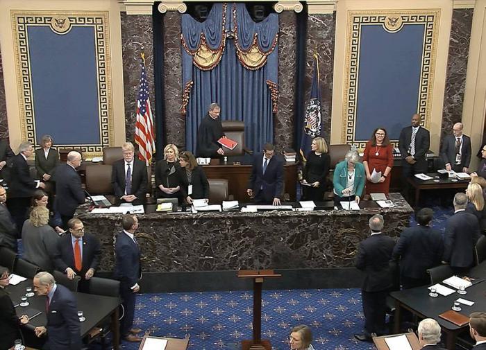 Сенат США принял пакет поддержки экономики объёмом ,9 трлн