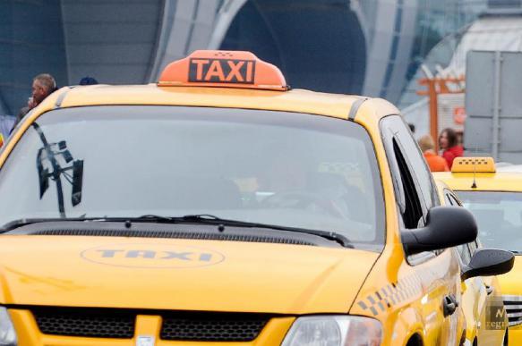 Госдума хочет запретить самозанятым работать таксистами
