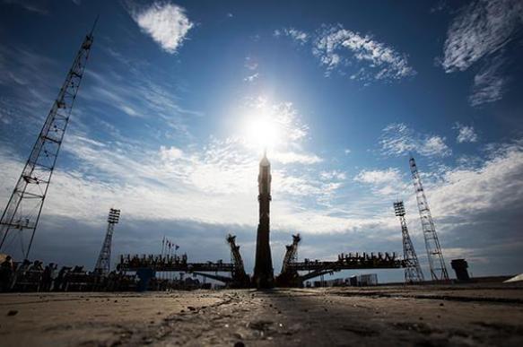 """Роскосмос: Левая солнечная батарея корабля """"Союз"""" не раскрылась при выведении на орбиту"""