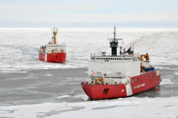 """В России начались испытания мощнейшего в мире ледокола """"Арктика"""""""