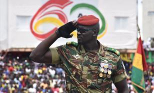 Лидер мятежников в Гвинее заявил о роспуске правительства и закрытии границ